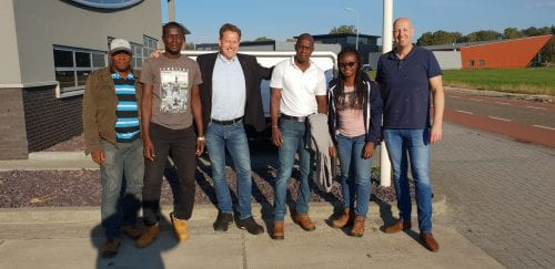 Aankomst GWI engineers bij Q-Flow in het na zomer zonnetje